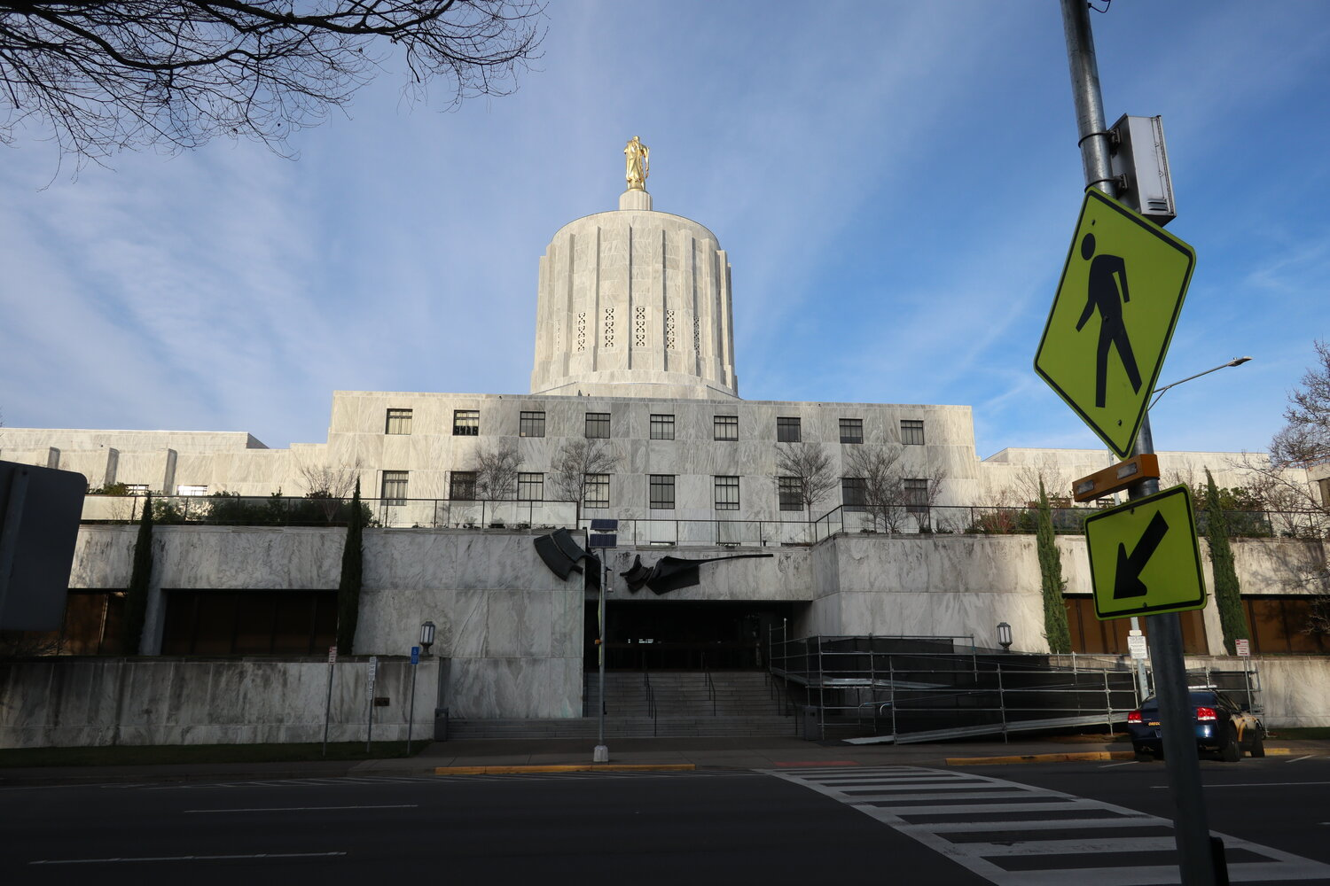 The Oregon State Capitol (裏側)  (2019年1月撮影)
